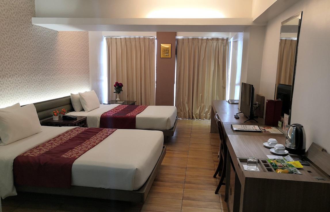 The E-Hotel Makati .:. MAKATI CITY
